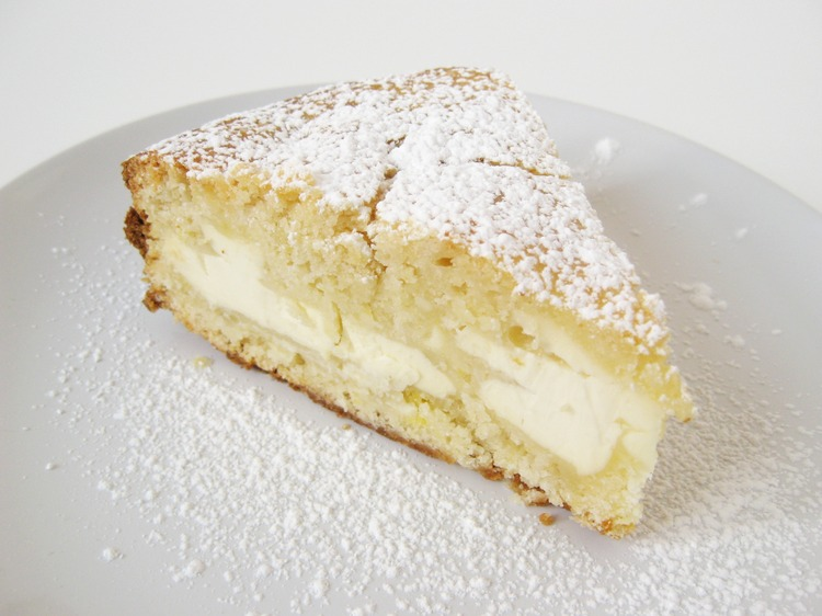 Lemon and Cream Cheese Layered Cake Recipe