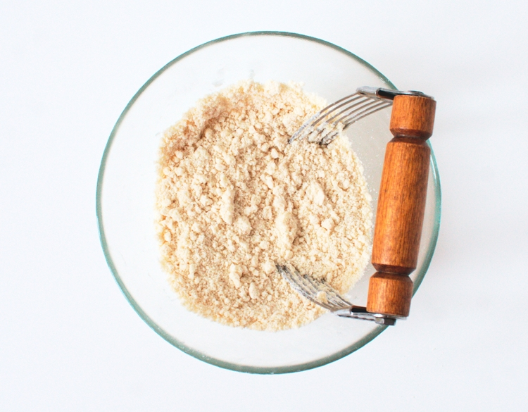 shortening and flour for pie crust